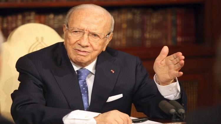 السبسي: النظام السياسي في تونس هجين وشاذ
