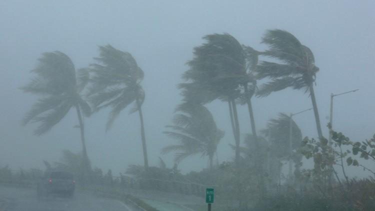 أسوأ إعصار يهدد الولايات المتحدة!