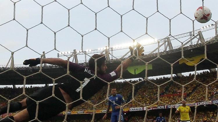 بالفيديو.. هدف برازيلي في المقص!