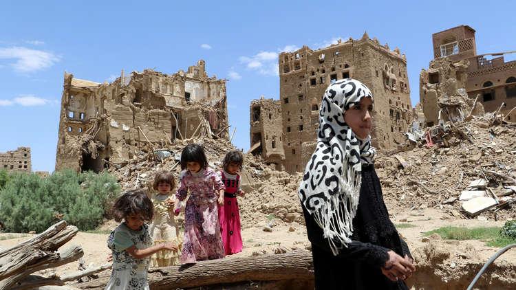 اليمن.. مقتل 6 مدنيين بغارات التحالف واحتدام المعارك في نهم وحجة ومأرب
