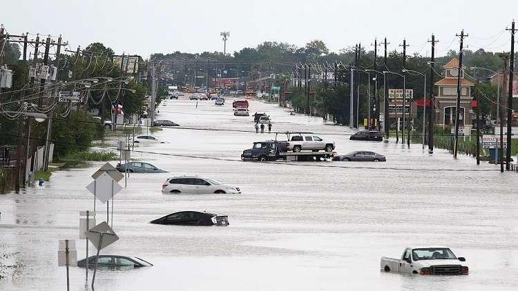 الإمارات وقطر تتبرعان بملايين الدولارات لمتضرري إعصار