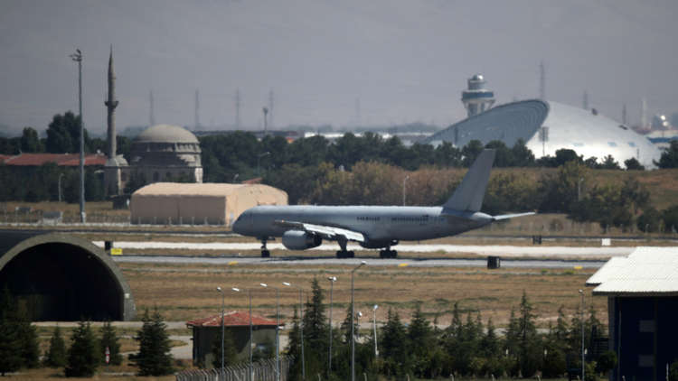 وفد برلماني ألماني يزور قاعدة الناتو في قونية وسط تركيا