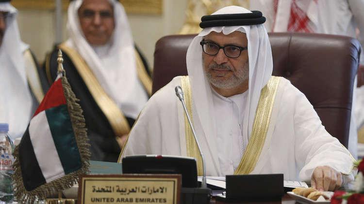 قرقاش: قطر تحاول دق إسفين بين السعودية والإمارات