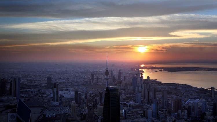 سلطات الكويت تصدر قرارا بتخفيض نسبة الموظفين الأجانب