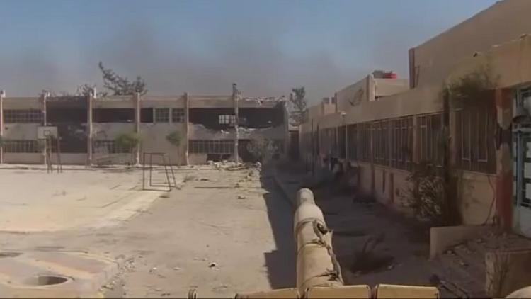 مواجهة مباشرة بين قائد دبابة في الجيش السوري وحامل