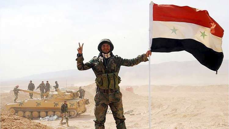 طلائع الجيش السوري في دير الزور تجتاز نهر الفرات وتتمركز في مواقع شرقه