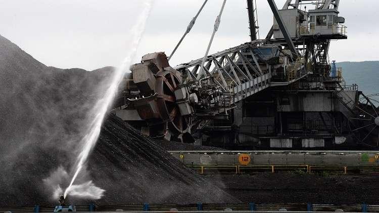 استقبال مهيب لشحنة فحم أمريكية