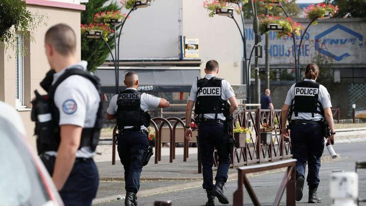 مجهول يهاجم امرأتين بمطرقة شرقي فرنسا