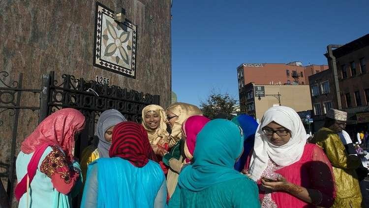 نيويورك.. رجل يضرب يهوديتين معتقدا أنهما مسلمتان