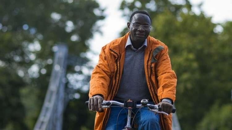نائب ألماني من أصل إفريقي يسعى لإعادة انتخابه