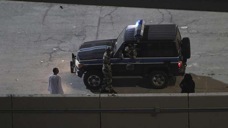 شاب يدهس والدته في السعودية... وأشقاؤه يقتلونه