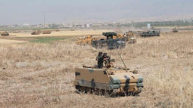 تركيا تواصل إرسال التعزيزات إلى الحدود السورية