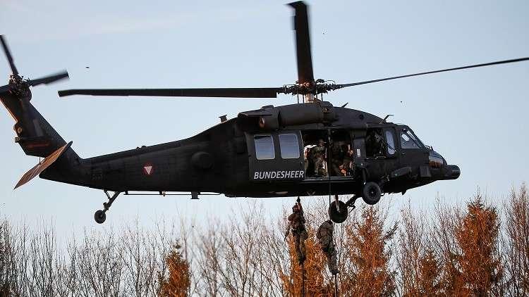 القوات الأفغانية تتسلم 4 مروحيات بلاك هوك من واشنطن 59c11ca7d43750ea358b4567