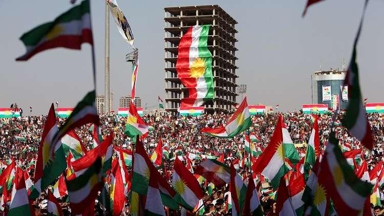 بالصور.. رفع الأعلام الإسرائيلية خلال تجمع ضخم لأكراد العراق في أربيل