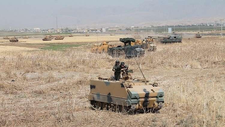 مقتل جندي وموظف في هجوم على قاعدة عسكرية شرقي تركيا