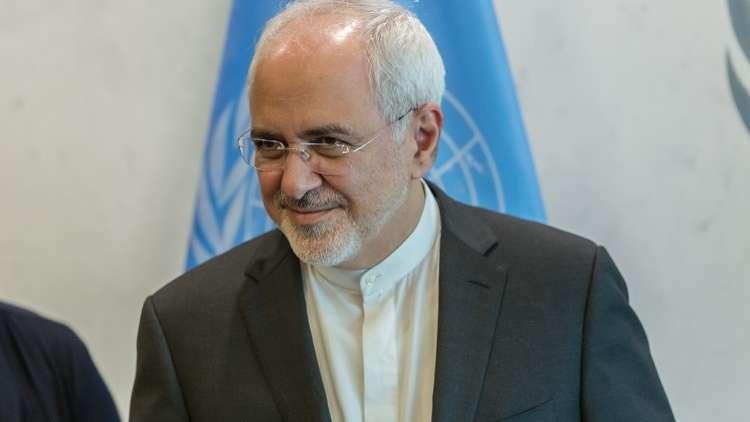 ظريف: إيران تحتفظ بخيار الانسحاب من الاتفاق النووي