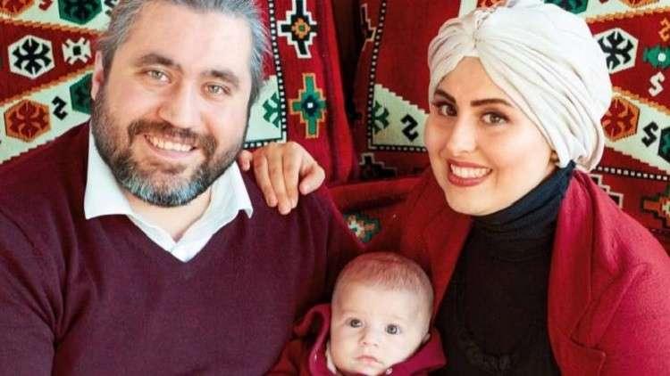 لاجئة سورية تبهر ميركل بوجبة الشاورما التي أعدّتها لها