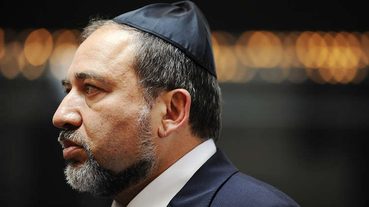 ليبرمان يدعو لإعدام فلسطينيين نفذوا هجمات ضد أهداف إسرائيلية