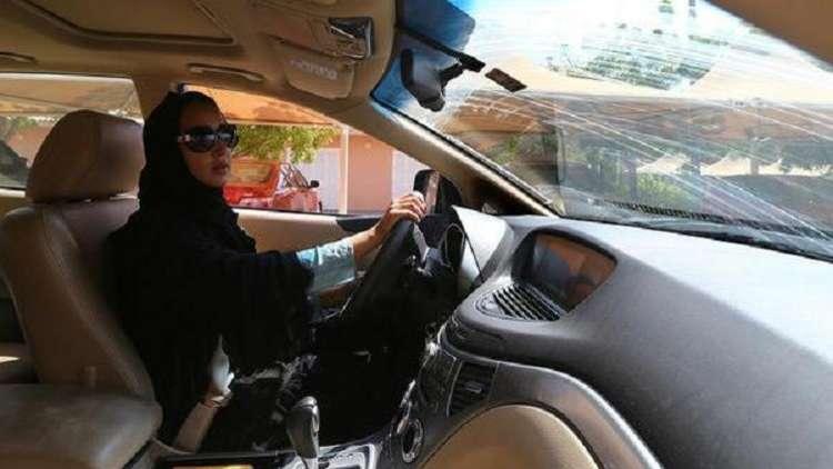 هذا ما وعدت به ناشطة سعودية خسرت وظيفتها ووطنها وكادت أن تُجلد علنا بسبب قيادتها السيارة