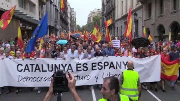 كتالونيا.. الشرطة تغلق مراكز الاقتراع