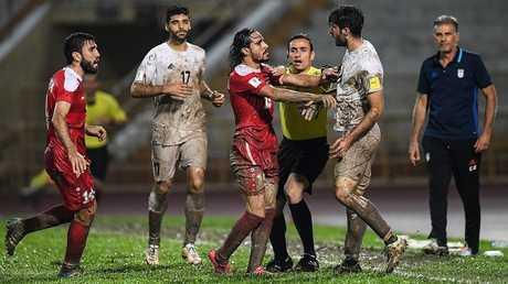 لقطة من مباراة الذهاب بين منتخبي سوريا وإيران