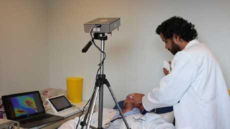 كاميرا قادرة على رؤية  الأعضاء الداخلية لجسم الانسان
