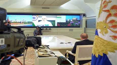 10 أغسطس 2016. الرئيس  فلاديمير بوتين خلال مراسم تسليم الهند أول وحدة للطاقة بمحطة كودانكولام الكهروذرية  الفعالية جرت عبر جسر تلفزيوني