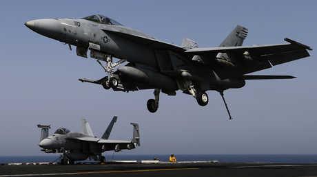 مقاتلة أمريكية من طراز F/A-18 Super Hornet