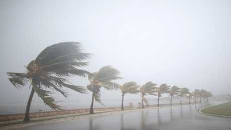 """الإعصار """"إرما"""" يشتد إلى الدرجة القصوى ويبدأ اجتياح كوبا، 8 سبتمبر/أيلول 2017"""