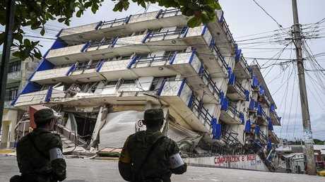 آثار زلزال ضرب المكسيك