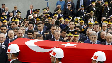 تشييع أحد القتلى العسكريين في تركيا