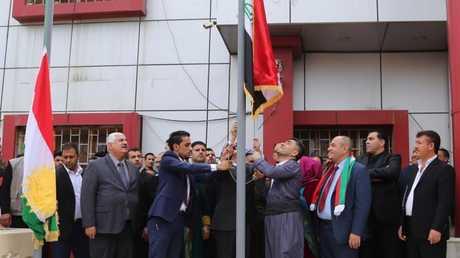 رفع علم كردستان فوق مبنى حكومي بكركوك