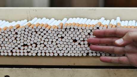 الإمارات ترفع سعر التبغ 100%