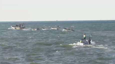 صناعة شباك الصيد وإصلاحها في غزة