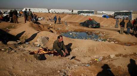 صورة أرشيفية لمخيم حمام العليل جنوبي الموصل