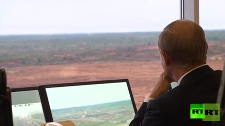 """فلاديمير بوتين يحضر مناورات """"الغرب-2017"""