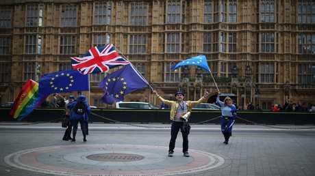 لندن تنفي استعدادها دفع 54 مليار دولار فاتورة