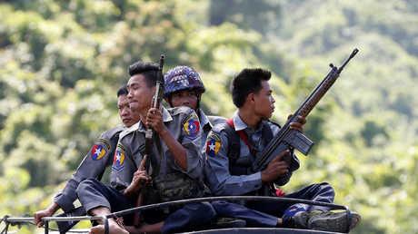 عناصر لجيش ميانمار