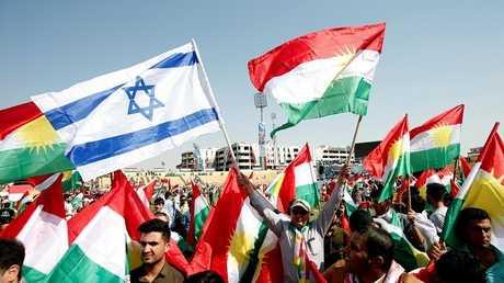 أكراد العراق يرفعون العلم الإسرائيلي