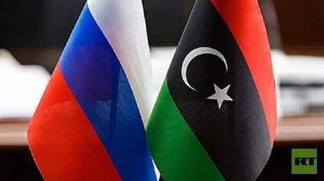 موسكو تنظم لقاء بين حفتر والسراج