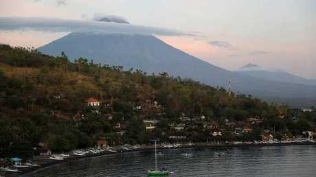 """إندونيسيا.. بركان جبل """"أغونغ"""" (صورة أرشيفية)"""