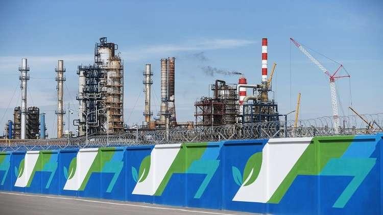 روسيا ترفع رسوم صادرات النفط