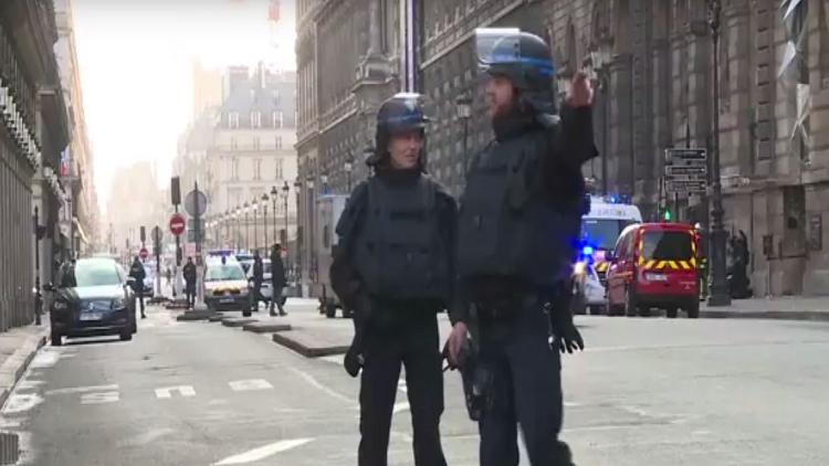 الداخلية الفرنسية: هجوم مرسيليا قد يكون إرهابيا