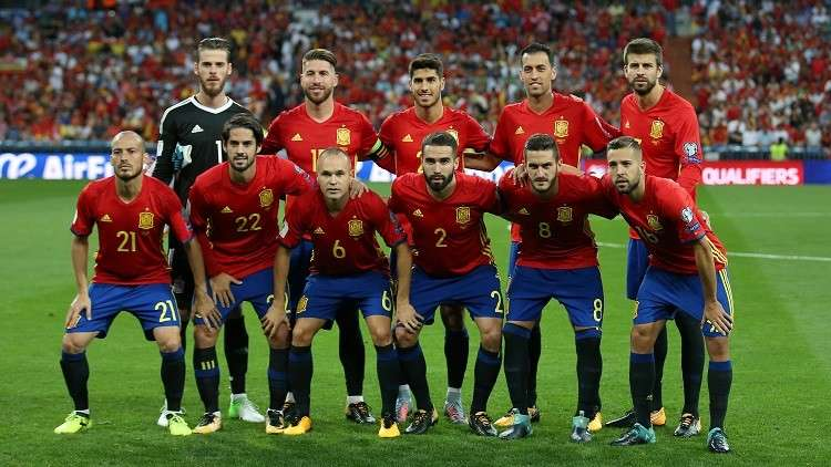 منتخب إسبانيا يخسر جهود ثلاثي بارز