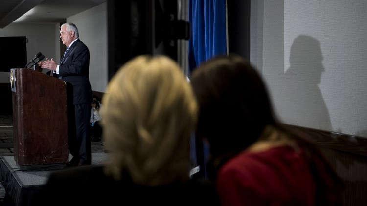 الخارجية الأمريكية: تيلرسون لا يستخدم كلمات مسيئة في وصف الرئيس أو غيره