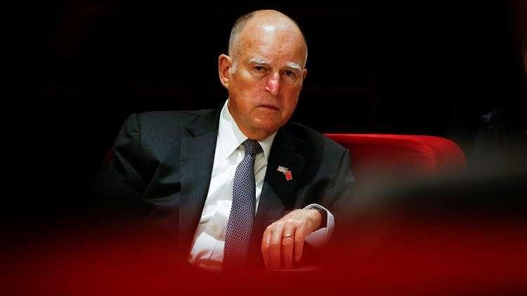 حاكم ولاية كاليفورنيا يوقع مشاريع قوانين ضد موقف ترامب بشأن الهجرة