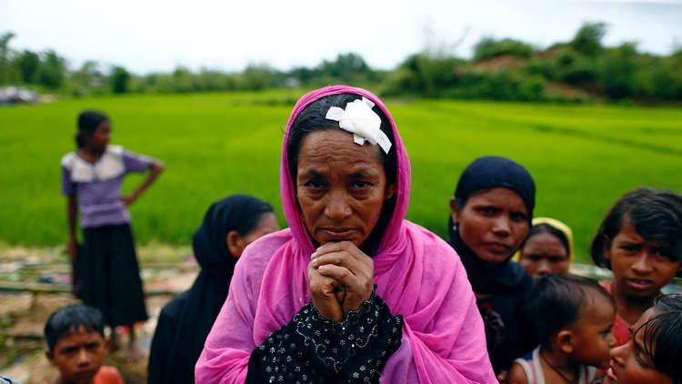بنغلاديش تبني مخيما ضخما لمسلمي الروهينغا