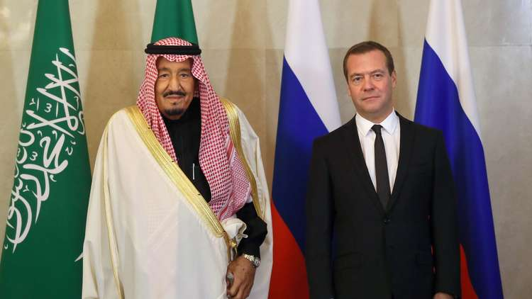 الملك سلمان من موسكو: حل أزمتي سوريا واليمن يتطلب وقف السياسة التوسعية لإيران