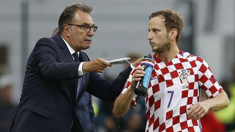 كرواتيا تقيل مدربها قبل مباراة مصيرية في تصفيات المونديال