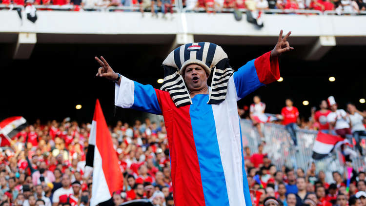 بالصور والفيديو.. المصريون يمضون ليلة تاريخية بعد التأهل إلى مونديال روسيا